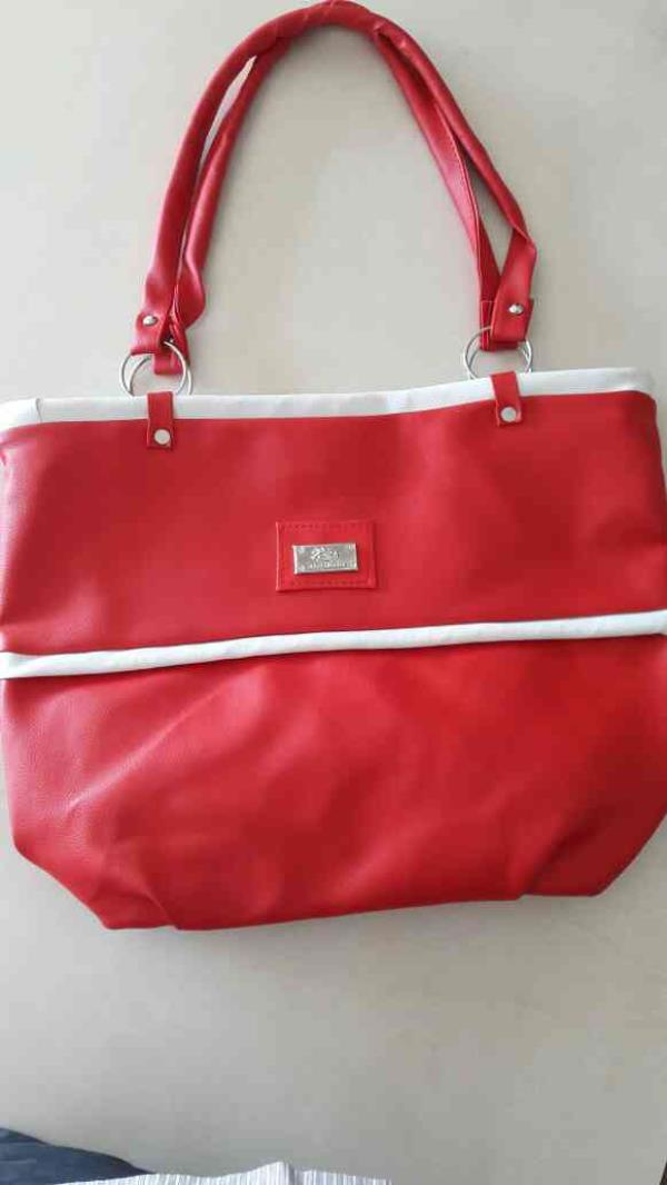 Ladies hand shopping bag of size 20×12 - by Raj Bag House, Ahmedabad