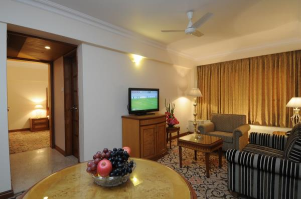 Good deals in Hotels in Fort Mumbai	 https://www.fariyas.com/hotel-in-mumbai/ - by Fariyas Hotel Mumbai, Mumbai