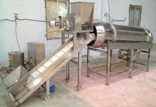 coating tumbler for dry seasoning coating of all type of snacks with conveyor and dry seasoning applicator. - by Macaroni Pasta Machine Manufecturer, New Delhi