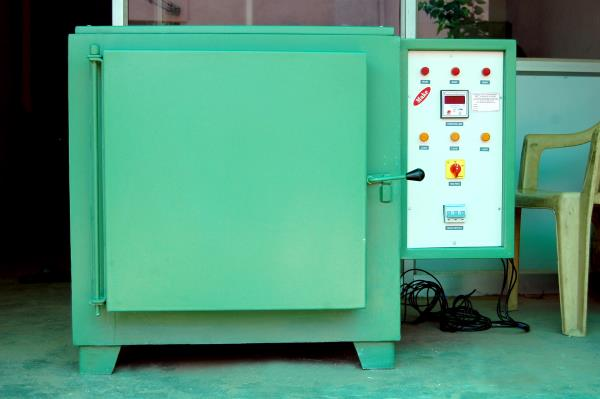 We are the Suppliers and Manufacturers of MUFFLE  FURNACE .  Type : LAB MUFFLE FURNACE , ELECTRIC GROOVED MUFFLE FURNACE ,  - by Make Engineering , Coimbatore