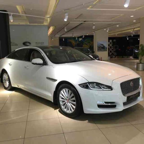 Best Jaguar car Rental in Goa - by Vailankanni Auto Hires, Candolim