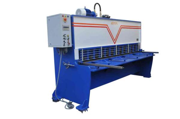 We are leading manufacturer of Hydraulic Shearing Machine. Chamunda Engineering is an ISO  9001:2015 certified company .  - by Chamunda Engineering, Ahmedabad