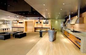 SHOWROOM INTERIOR IN CHENNAI - by Amaze INTERIOR, Chennai