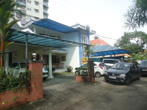 Commercial come residential building for SALE... At Jawahar Nagar, Kadavanthra. 3800 sq.ft with office.space with 4BHK. Car parking facilities and other facilities are available. Costs rs 3.25 Cr. For further details call Joseph - 994785400 - by Plots In Kochi, Ernakulam