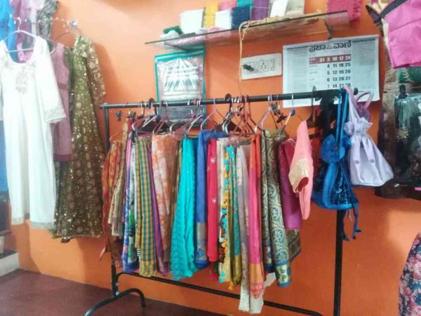 best ladies trailers in kammanahalli  www.eliteboutique.net - by elite boutique, Bengaluru
