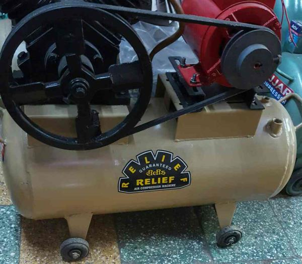 Manufacturer and supplier of best quality Air compressor in Ahmedabad  Email us :: malani.jeetu@gmail.com - by Shree Relief Engineering, Ahmedabad