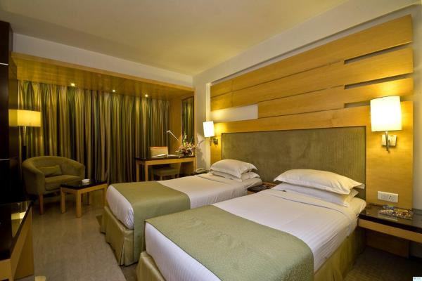 Hotels in Sakinaka Andheri Mumbai  For More Info visit at  www.peninsulagrand.in   Peninsula Grand is one of the best 4 Star Hotels in Mumbai features 81 rooms including Suites. Peninsula Grand is Luxury Hotels In Mumbai with an entire floo - by Peninsula Grand Hotel, Mumbai Suburban