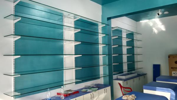 The best quality Glass Shelves works in Nizamabad. The service available at Ameerpet, hyderabad. We are also provide all types of Glass Shelves  for office, home and shops. - by Sk Interior works, Hyderabad
