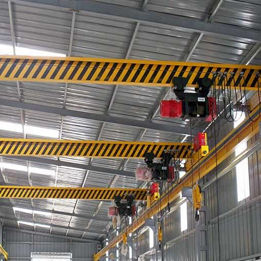 We are single arm crane manufacturer in Ahmedabad. We are manufacturer of Overhead EOT Crane - by Shivay Engineering, Ahmedabad