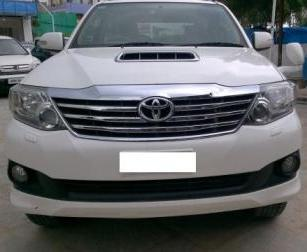 TOYOTA FORTUNER 3.0L MT 2WD:MODEL 07/2013, KM 103356, COLOUR WHITE, FUEL DIESEL, PRICE 22, 50, 000 NEG. - by Nani Used Cars, Hyderabad