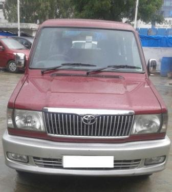 TOYOTA QUALIS RS:MODEL 01/2004, KM 166043, COLOUR RED, FUEL DIESEL, PRICE 650000 NEG. - by Nani Used Cars, Hyderabad