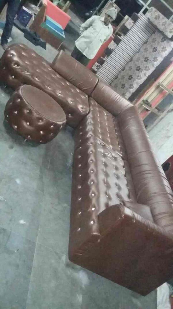 Looking for styles leather sofa in isanpur in Ahmedabad   we have wide range of leather sofa for offices in Ahmedabad   visit us or call  7600689644 9558888266 - by KD Furniture, Ahmedabad