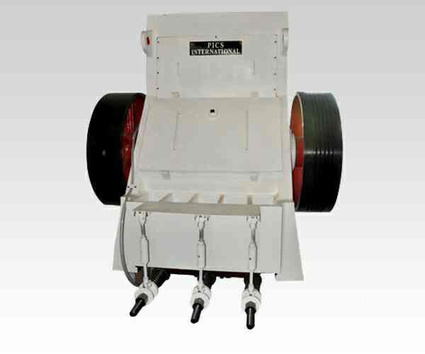 Double Toggle Jaw Crusher:  Double Toggle Jaw Crusher features hydraulic relief, automatic oil lubrication, and automatic wedge locking systems. The Double Toggle Jaw crusher has been of extreme use in mining industry.  These crushers are m - by Picson Construction Equipments Pvt Ltd, por