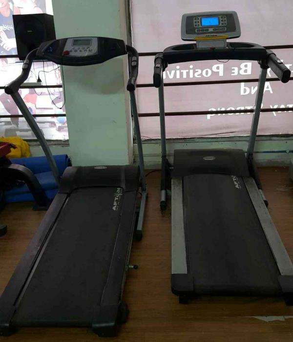 We use quality oriented Tred mill for our students to make their work out experience awesome   #ROCKSTAR GYM#  Call us - 25434048 - by Rockstar Gym, Ahmedabad