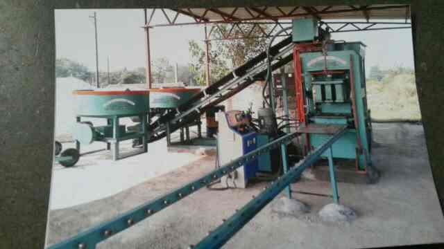 Fully Automatic Fly Ash Bricks Machine  we are very reputed industry in making of Fully Automatic Fly Ash Bricks Machine Manufacturer in Morbi as standard specifications & customized as per client requirement making Organization. - by Samrat engineering Works, Morbi