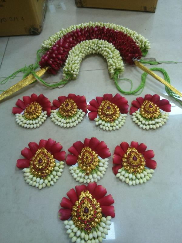 We are Bridal Flower Designers in Coimbatore. We undertake all types of Bridal Flower Designing in Coimbatore. Customised Flower Designers in Coimbatore