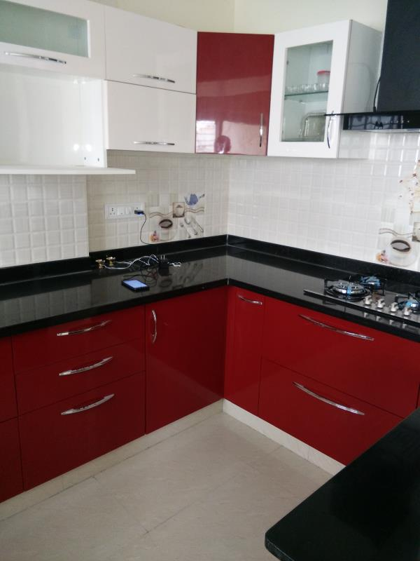 Modular kitchen. With our selection of worktops, polymer shutter finishes, Bwp Ply cabinet materials, appliances, sinks, Chimney and accessories, Near Kannakapura road - by Vzoneinteriors, Bangalore