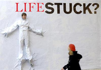 http://www.businessoflife.in/2015/10/its-not-your-time-to-got-stuck.html - by Business of Life, Kolkata