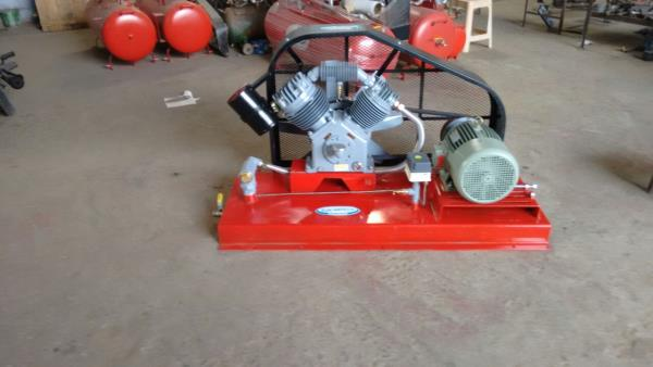 Bore Well Compressors Our organization has come up with an comprehensive range of Bore Well Compressors. These compressors are widely in diverse applications, owing to their various features. We manufacture these compressors using high grad - by Sun Hitech Engineering, Coimbatore