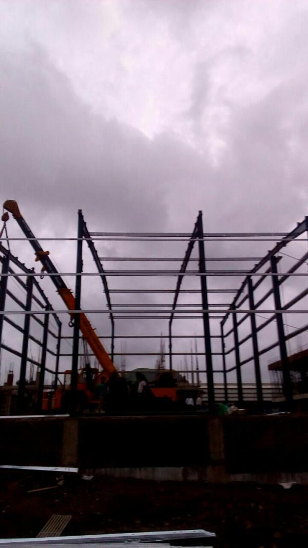 Erection in progress M/s. Rahul Packwell @ Ambad MIDC, Nashik - by PEB Metal Buildings Pvt. Ltd., Pune