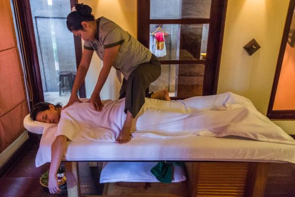 Deep Tissue Massage Deals In coimbatore  We are Doing the Professional Body massage in coimbatore.   Benefits of massages Fighting Fibromyalgia Symptoms Easing Surgical Effects  Headache Relief Lowering Blood Pressure Increasing Flexibility - by Cools Spa, Coimbatore