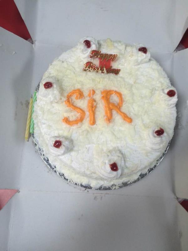 White forest yammy cake available in kapashera store new delhi location  - by Khushbu bakery, New Delhi