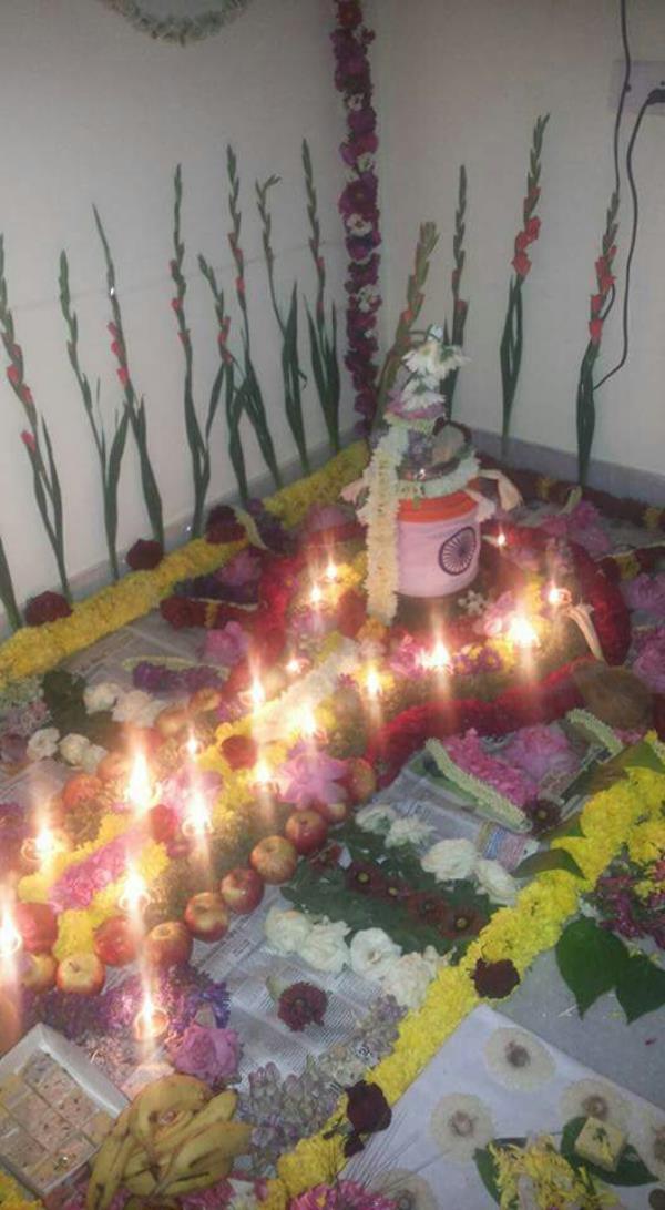 rudrabhishek puja in hebbal pandit shankar shastri www.bangalorenorthindianpandit.com - by Bangalorenorthindianpandit.com, Bengaluru