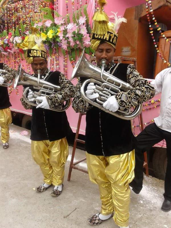 Ravi Raj Band based in Noida Sector 22 provides the best wedding orchestra team to showcase the wonderful musical night events for your wedding functions.