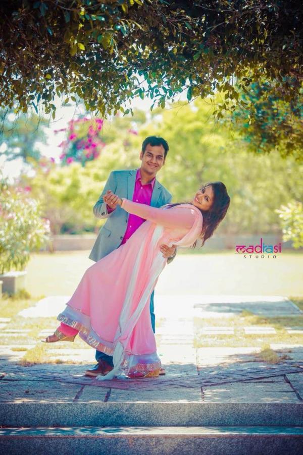  Best Wedding Photographers in Chennai . Best Wedding Photographers in AshokNagar. Candidphotographer , Best Couple Shoot Wedding Photographers In Chennai  #wedding photographers in chennai   Best wedding Photographers In Chennai  #best - by Madrasi studio, Chennai