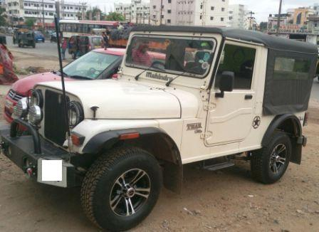 MAHINDRA THAR 4*2:MODEL 01/2011, KM 66435, COLOUR WHITE, FUEL DIESEL, PRICE 520000 NEG.USED VEHICLE FOR SALE COMPLEAT SHOWROOM TRACK. - by Nani Used Cars, Hyderabad