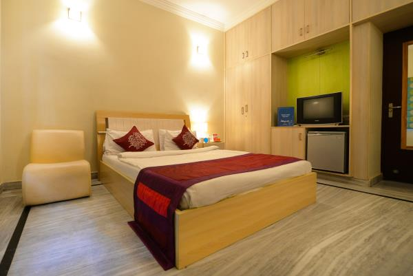 Best budget hotels at reasonable prices! With best comfort, amenities and services. Gardenia Service apartments, located near LV Prasad eye Hospital and Indo American Cancer Institute, Banjara Hills, Hyderabad, convenient, and comfortable a - by Gardenia Service Apartments, Hyderabad