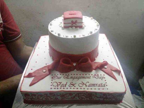 engagement cake - by Marigold , Pune