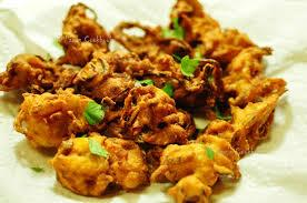 ONION pakoda the evergreen combination at your new junction at lucknow aliganj kapoorthala