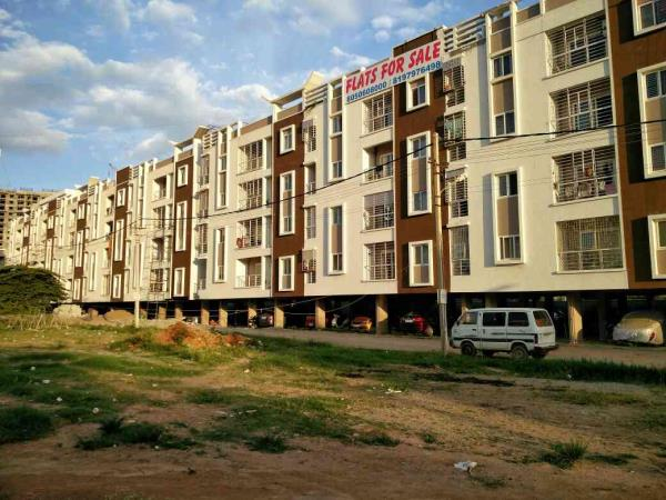 Last few flats available on Sarjapur Road. Good ventilation, amenities and vasthu Compliant 2, 2½ & 3 Bhk flats ready for woodwork.  - by Paramaount Assets, Bangalore Urban