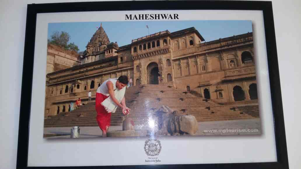 Maheshwer is place where blessing of Lord shiva is always there.  Best place to visit in Madhya Pradesh.