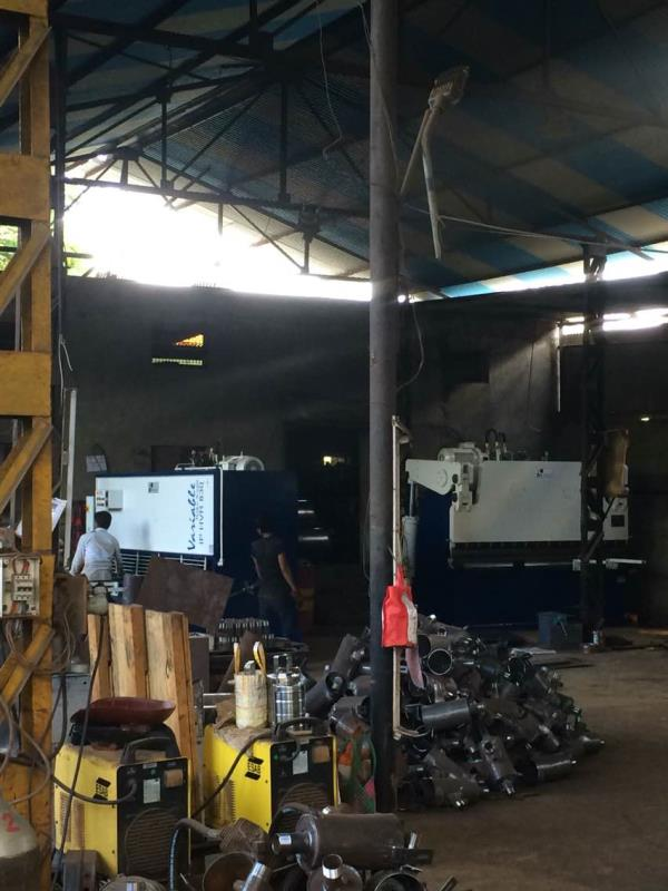 Hydraulic shearing machine & Hydraulic Press Brakes for 8mm x 3000mm installed successfully at Jalgaon Maharashtra.   Please send your inquiry at inquiry.ipan@gmail.com  OR   CALL US on +91 9898027584 Visit www.ipanmachineries.com - by iPan Machineries India Pvt Ltd, Ahmedabad
