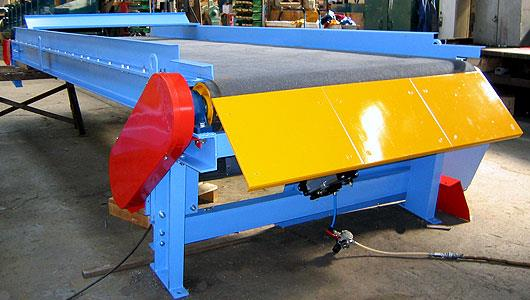 Belt Conveyor Manufacturer in Chennai  Belt Conveyors, Screw Conveyor, Slat Conveyors,  Apron Conveyor, Roller Conveyors, Redler Conveyors,  Telescopic Conveyors, Lorry Loading Conveyors etc.  For Further details : www.staartechnoequipments - by FOUNDMATIC ENGINEERS, Chennai