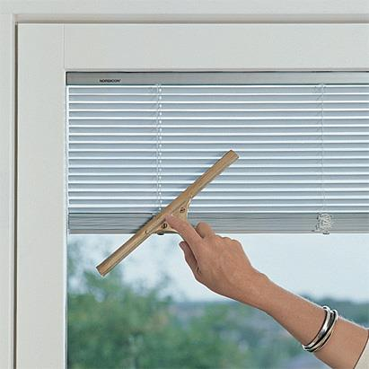 Insulated Glass Blinds - View Control ®, by Window Techs designs, develops and manufactures sun shading systems to be integrated within double glazing units, which allow the problem of light and heat gain in buildings to be solved by means  - by Window Techs, Faridabad