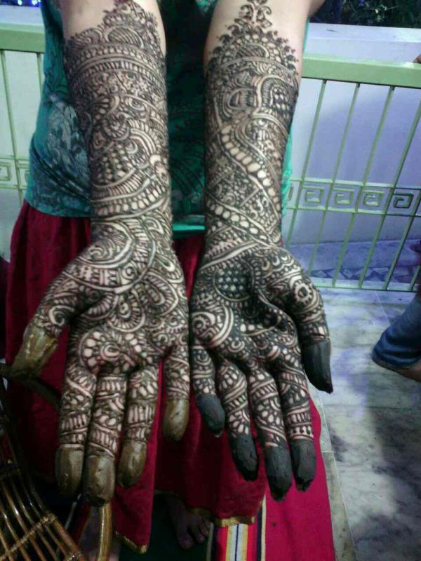 v for u gives you bridal mehandhi and do mehandhi function at ur place itself. - by V For U, Coimbatore