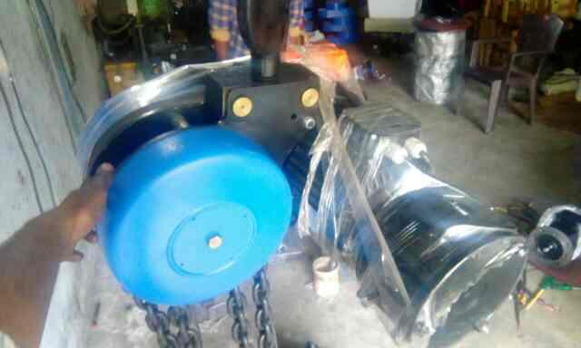 motorised chain pulley block in ready stock - by S.b.chavan, Ahmedabad