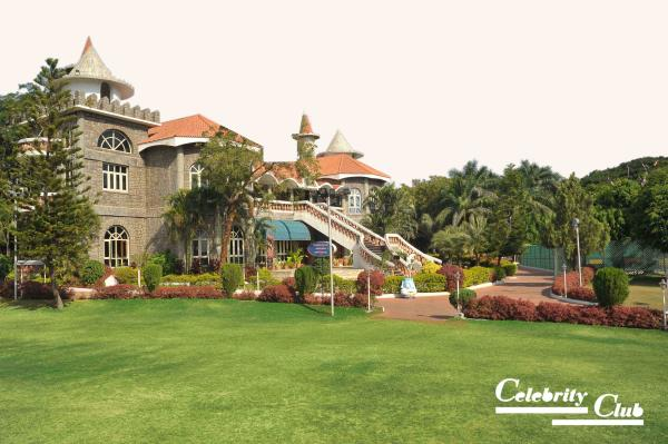 Resorts near Secunderabad  Welcome to Celebrity Resort Hyderabad ( Mobile 9701322007 ) one of the most premium Resort & Hotel in shamirpet area Hyderabad a perfect place for your holiday at Hyderabad.  Ultra modern suites and Villas, Luxury - by Celebrity Resort, Hyderabad