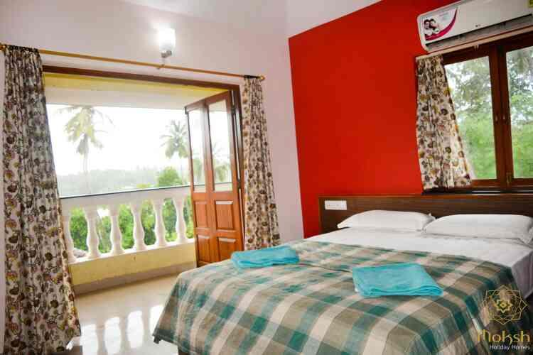 beautiful bedrooms with heavenly view - by MOKSH HOLIDAY HOMES, Baga