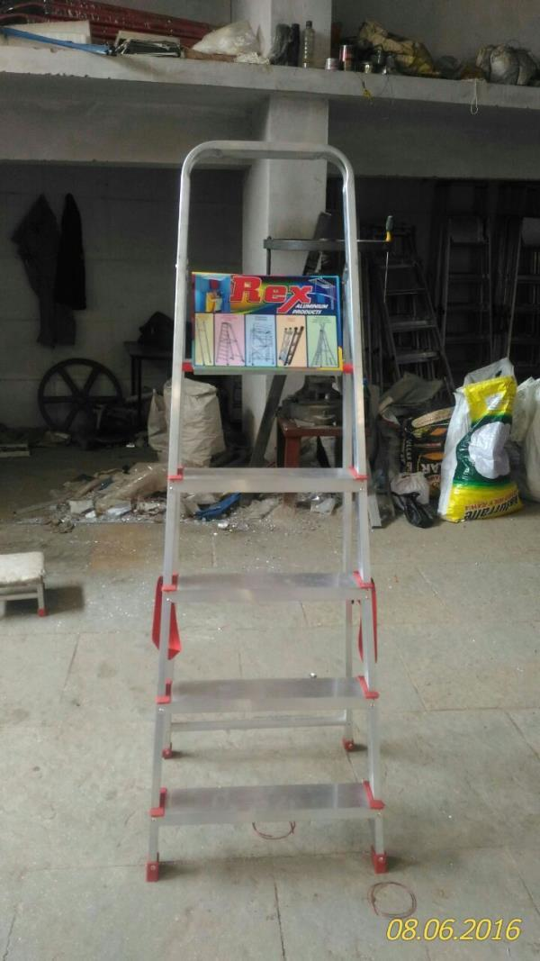 We make a world-class range of Aluminum  Ladders in our huge infrastructural facility. These conform to international quality standards and are made of high-quality materials of construction. These are available in different sizes, designs and as per client's specifications.We supply aluminium ladders in musheerabad , RTC X Roads, Secunderabad