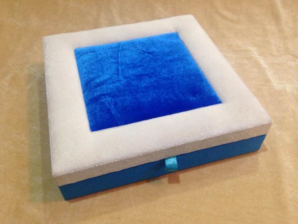 Velvet Dry Fruit Box   We are leading manufacturer, supplier, wholesaler of Velvet Dry Fruit Box