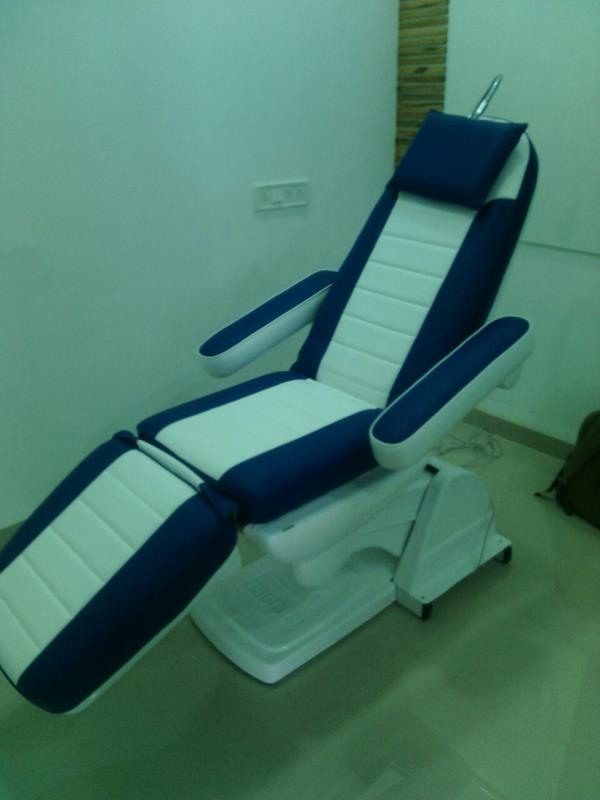 Multi-Utility Chair Suppliers In Chennai   This is chair com bed Multi Utility Chair used to do all cosmetic procedures and hair transplantation too. .