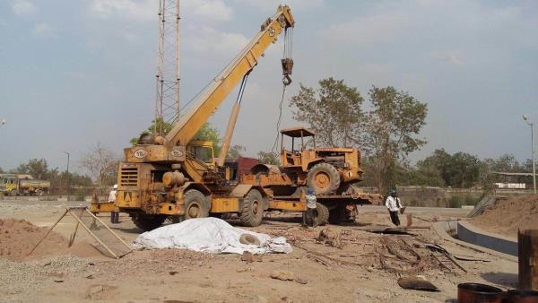 Hydra crane hire service in kolkata - by B K Syndicate, Kolkata