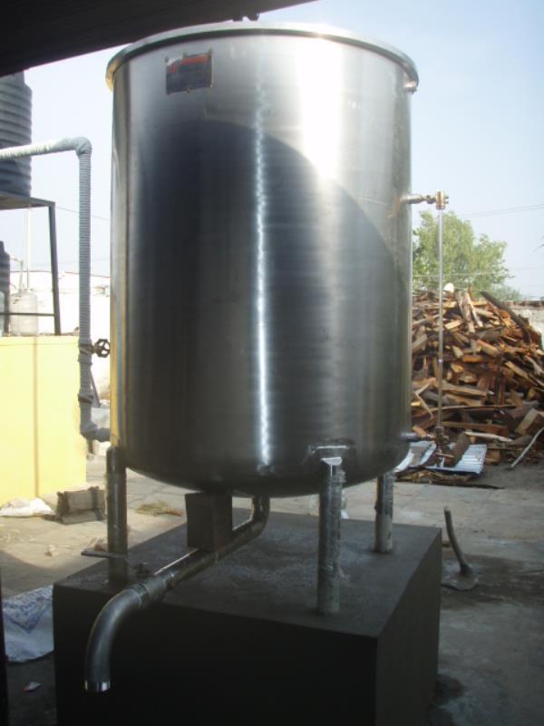 S.S Storage Tank   Capacity 100Lte, 1000Ltr, Etc