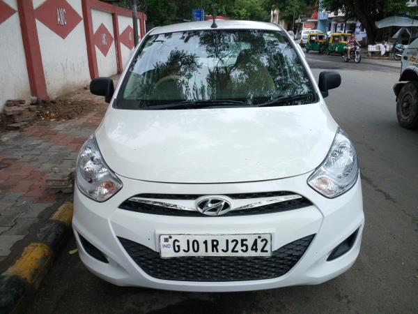 we are a second hand car dealer in ahmedabad, we arec a used car dealer in ahmedabad. - by MUNIM AUTO, Ahmedabad