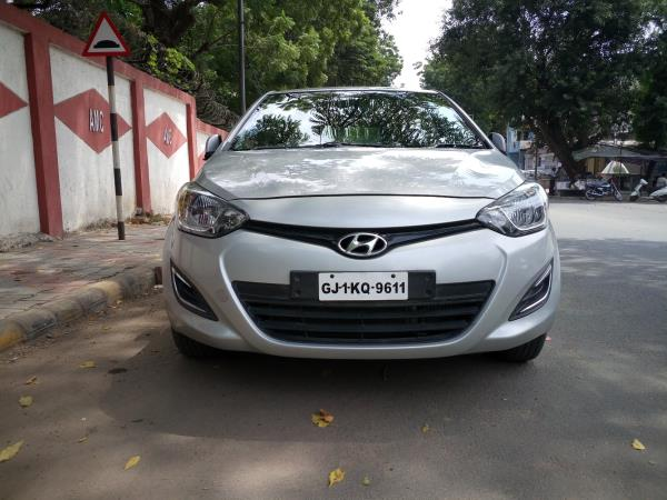 we are a used car dealer in ahmedabad, we are a second hand car dealer in ahmedabad. - by MUNIM AUTO, Ahmedabad
