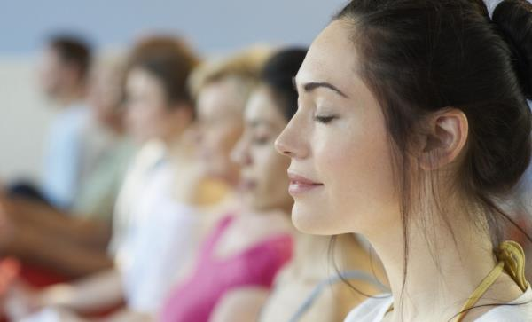 http://www.collective-evolution.com/2014/10/16/meditation-for-beginners-20-tips-to-help-quiet-the-mind/ - by Mickey Chadha- Motivational Speaker, Chandigarh